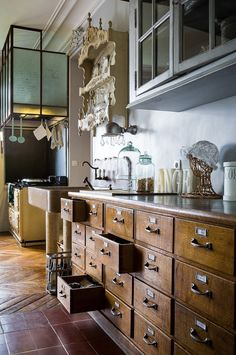Rustic Farmhouse Kitchen 2019 & DIY Kitchen Storage and Organization Ideas Adorable Rustic Farmhouse Kitchen 2019 & DIY Kitchen Storage and Organization Ideas source link Rustic Kitchen Cabinets, Kitchen Decor, Kitchen Drawers, Kitchen Island, Paris Kitchen, Wood Drawers, Kitchen Corner, Small Drawers, Kitchen Units