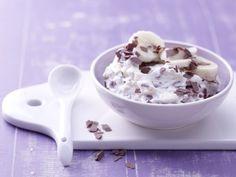 Mit der süßen Frischkäse-Bananen-Creme als Brotaufstrich kommt ein gesunder Mineralstoffmix aus Kalium, Magnesium und Kalzium auf den Tisch.