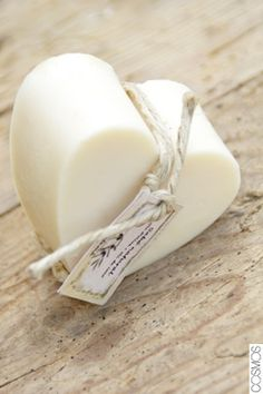 sabó natural amb oli de coco / jabón natural con aceite de coco / natural soap with coconut oil  www.cosmos.cat