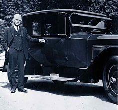 Wyatt Earp beside car