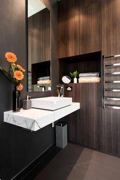 Luxe toilet met eiken hout   Interieur inrichting