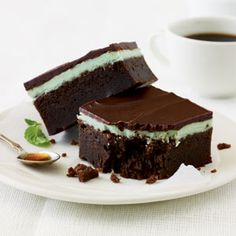 100 healthy dessert ideas from cooking light including chocolate mint bars, chocolate hazelnut pudding and tons more! Healthy Dessert Recipes, Fun Desserts, Cookie Recipes, Delicious Desserts, Light Desserts, Light Dessert Recipes, Vegetarian Recipes, Mint Chocolate, Chocolate Recipes