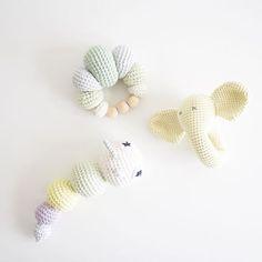 Rattle love 💛 . 🐘 👉🏼 @trolleungen #amigurumiaddict #amigurumis #amigurumi #crochettoy #crochetrattle #hækletrangle #hækletlegetøj #hækle #hækling #hæklerier #crocheting #crochet #crochetaddict #crochetlove #hæklettilbaby #stoffstildiy