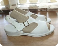 Vintage 50s Sandals  1950s Shoes  T-Strap Wedges by IntrigueU4Ever