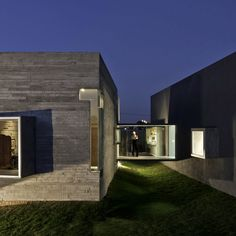 M + N Arquitectos - House for two artists