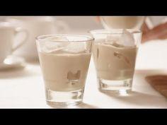 This Copycat Baileys Irish Cream Recipe uses a few simple ingredients. This is the copycat Baileys Irish Cream Recipe and it tastes as good as the original. Homemade Baileys, Homemade Irish Cream, Baileys Irish Cream, Whiskey Cream, Irish Whiskey, Eggnog Drinks, Coffee Drinks, Liquor Drinks, Alcoholic Drinks