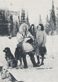 A 1940 census taker uses sled dogs to make sure that even people in remote areas of Alaska are enumerated    #1940Census #genealogy #ancestry