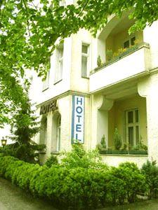 The 5 Types of Budget Hotels in Europe: Example #3: Hotel in a quiet residential…