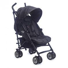 Todo un clásico, con su color negro, nuestra nueva silla de paseo Midnight Black, presume de acabados en ante en el arnés, y una disimulada Union Jack da un toque especial y elegante a una top super ventas entre nuestras sillas de paseo.