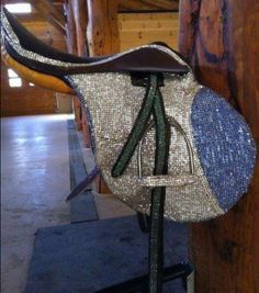 Bling Saddle! (to be used with a unicorn ONLY!) dont really want this but this is soo cool!!!
