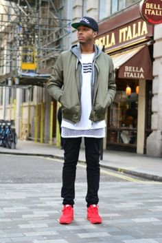 47 Ways to Look Stylish with Bomber Jacket for Men Bomber Jacket Outfit, Brown Leather Bomber Jacket, Army Green Bomber Jacket, Black Pant Suit, Black Pants, Suits You Sir, Blue Ripped Jeans, Jackets, Asos Fashion