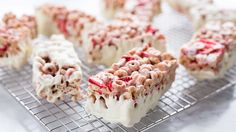 If you love strawberries and cream, this one's for you! Crispy, crunchy Very Berry Cheerios™ bars are studded with real berries and dipped in smooth white chocolate. Breakfast On The Go, Breakfast Bars, Make Ahead Breakfast, Breakfast Recipes, Cereal Treats, Cereal Bars, No Bake Desserts, Dessert Recipes, Biscuits