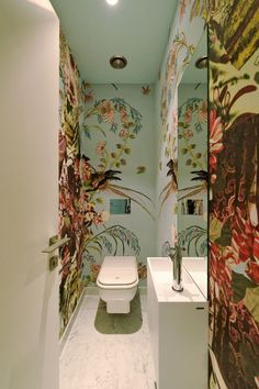 Romantic Interiors Thatll Make You a Fool for Love Tapeten Ideen Small Toilet Room, Decor, Downstairs Loo, Bathroom Interior, Bathroom Wall Decor, Beautiful Bathrooms, Bathroom Wallpaper, Romantic Interior, Home Decor