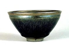 Teabowl with Black Glaze in Hare's Fur Pattern (Hare's Fur Tenmoku)