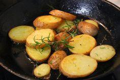 Na Cozinha da Té: Batatas crocantes      Acompanhamento para muitos ...