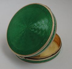 BEAUTIFUL-ANTIQUE-L1927-SOLID-STERLING-SILVER-GUILLOCHE-ENAMEL-POWDER-COMPACT