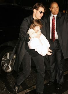 Actor - ator - hair - cabelo - pelo - dark - escuro - oscuro - black - preto - negro - eye - olho - ojo - blue - azul - beautiful - bonita - hermoso - elegante - elegant - moda - look - style - estilo - inspiration - inspiração - inspiración - fashion - chic - dress - vestido - Princess - princesa - baby - bebê - daughter - filha - hija - father - pai - padre - dad - papai - papá - happy family - família feliz - october - outubro - octubre - 2007 - Manhattan - Suri Cruise - Tom Cruise