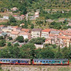 Des trains pour voir la France autrement: le train des merveilles, de Nice au Mercantour