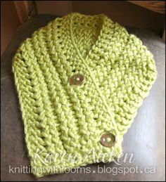 Knitting With Looms: Scarflet - neat way to do a garter border, and neat blog, too!