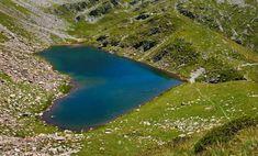 Wanderziel Bergsee: Erfrischende Sommer-Hits der Bündner Pärke   Graubünden Ferien Schweiz Hiking, Water, Outdoor, Island, Europe, National Forest, Tours, Road Trip Destinations, Walks