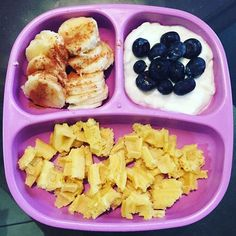 Yesterday was our vacation from our vacation day, so we were pretty lazy with uploading lunch, snacks and dinner but we are fully back in action! This morning, Noah is having bananas w/ cinnamon, yogurt + blueberries and waffles all on his purple @replayrecycled divided plate! Love this color #toddlerbreakfast #toddlerfood #toddlerfoodie #totfood #healthymeals #healthytoddlers #comidasaludable #comidaparaniños #niñossaludables #texastoddlers #texasfoodie #laredochildren #rainbowplate