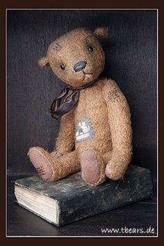 This is Heribert, a vintage style teddy bear made by Karin Jehle.
