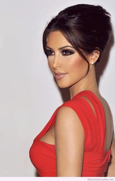 Kim Kardashian makeup and red dress