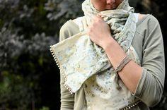DIY: pom pom trim scarf