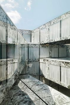Office complex in Zurich by Wiel Arets Architects featuring glass fritted facade to reference Mies' Barcelona Pavilion Facade Architecture, Contemporary Architecture, Innovative Architecture, Barcelona Pavilion, Artificial Marble, Escalier Design, Interior Design Minimalist, Onyx Marble, Interior Minimalista