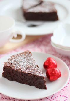 Flourless Almond & Chocolate Cake... passover!