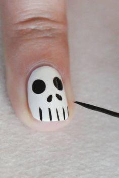 Toxic Poison Nails: Step 5 Nuova idea per Hallowen *-*
