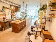 VENKEL - Albert Cuypstraat 22, Amsterdam www.venkelsalades.nl  Prijsniveau: gemiddeld Perfect for: lekker makkelijk en gezond lunchen of een hapje eten!