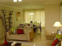 + 20 salas de estar e jantar integradas - inspire-se! - Casinha Arrumada Small Apartments, Small Spaces, Kitchen Living, Living Room, Condominium, The Hamptons, Family Room, Curtains, Bed