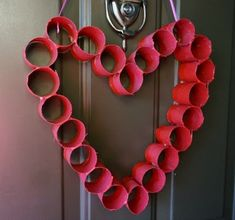 Whether or not crafting belongs to your hobby, you may wish to try them once. Bring out the artist in you with these DIY Paper Crafts which will serve too many purposes. Valentine Crafts For Kids, Valentines Day Activities, Paper Crafts For Kids, Valentine Heart, Valentines Diy, Funny Valentine, Paper Crafting, Toilet Paper Roll Diy, Diy Papier