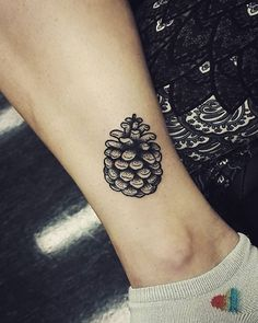 If you're thinking about getting a tattoo but aren't totally sure what you want, it's wise to do some research first. Here are 13 small, perfectly detailed tattoo ideas for every first-inker.
