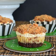 Butterfinger Mousse Cheesecakes Recipe ~ Butterfinger + Cheesecake = a match made in heaven!