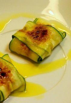 Receta de ravioli de calabacín con feta y pera