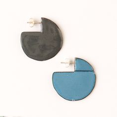 'Enfold' earrings - round Stormcloud & Blue (double sided so that the same colour faces outwards) vitreous enamel, copper & sterling Silver Vitreous Enamel, Round Earrings, Copper, Faces, Victoria, Jewellery, Sterling Silver, Blue, Diy