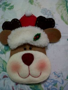Navidad Felt Christmas Decorations, Christmas Centerpieces, Christmas Art, Christmas Stockings, Christmas Ideas, Reindeer Ornaments, Felt Ornaments, Holiday Ornaments, Felt Crafts