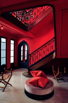Fotó Didier Delmas - Decoration World Red Interior Design, French Interior, Cafe Interior, Luxury Interior, Interior And Exterior, Nordic Interior, Architectural Digest, Red Home Decor, Red Rooms