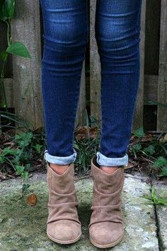 283d975e85ae These tan suede booties are adorable!