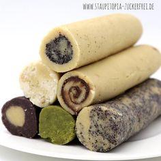 Mit diesem Rezept für Low Carb Kekse, kannst du unendlich viele Variationen backen: Egal ob Kokos, Mohn, Marzipan oder Matcha - hier wird jeder fündig.