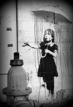 Raining under the umbrella Art Street Art Banksy, Graffiti Art, Urban Street Art, Urban Art, Umbrella Street, Umbrella Tattoo, Bansky, Pretty Pictures, Pretty Pics
