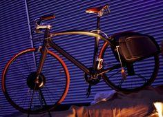 Bike UP- ideata da Umberto Palermo. L'innovazione incontra la tradizione. La leggerezza e la ricercatezza del materiale si coniugano con la passione per lo sport www.up-design.it