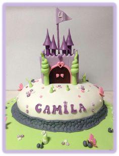 Bolo castelo lilás princesa sofia