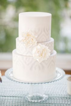 Wedding Cake with Pale Gray Icing | photography by http://www.charlie-juliet.com