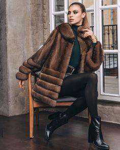 Brown Fur Coat, Winter Fashion 2015, Fur Coat Outfit, Fur Fashion, Womens Fashion, Winter Outfits, Cool Outfits, Fur Decor, Fur Clothing