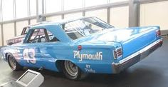Richard Petty Plymouth - Vintage Nascar