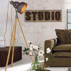 Stehlampe Vincent, Industrial Look, Metall, Bambus #miavilla #floorlamp #lamps…