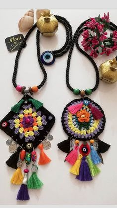 day, bt closure with long bohemian necklaces displayed ? Fiber Art Jewelry, Textile Jewelry, Fabric Jewelry, Love Crochet, Crochet Gifts, Crochet Flowers, Crochet Jewelry Patterns, Crochet Accessories, Crochet Bracelet